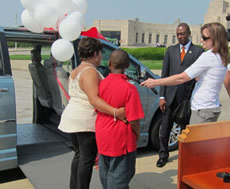 Cincinnati wheelchair van donation to Arnneater Crawford